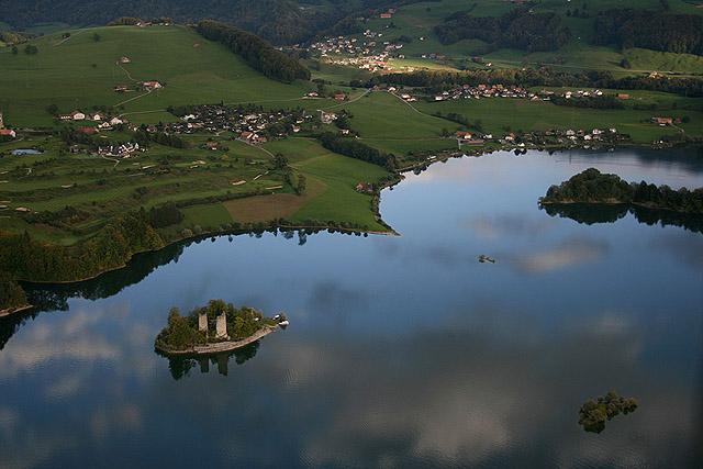 Lacs suisses 0280_-_ile_ogoz